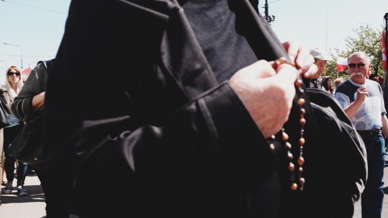 Pro government protest rosary